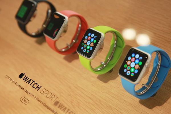 Поставщики Apple получили заказы на производство 5-6 млн Apple Watch в I квартале 2015 г