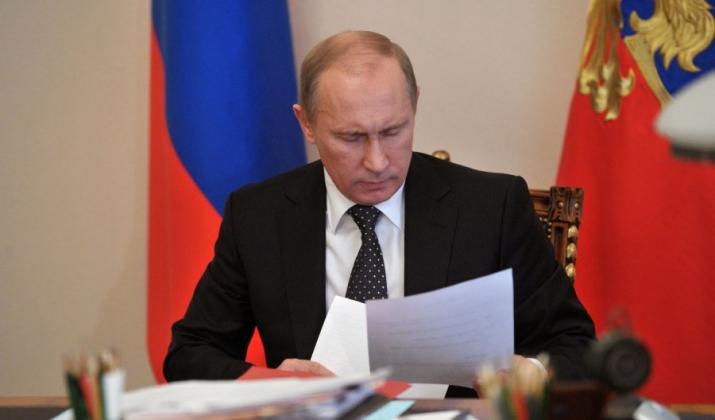 Путин снял запрет на рекламу для платных телеканалов